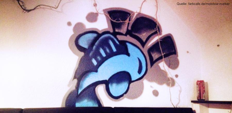 Kleiner Graffiti-Fisch an der Wand meiner alten WG. Montana Cans und Molotow Marker