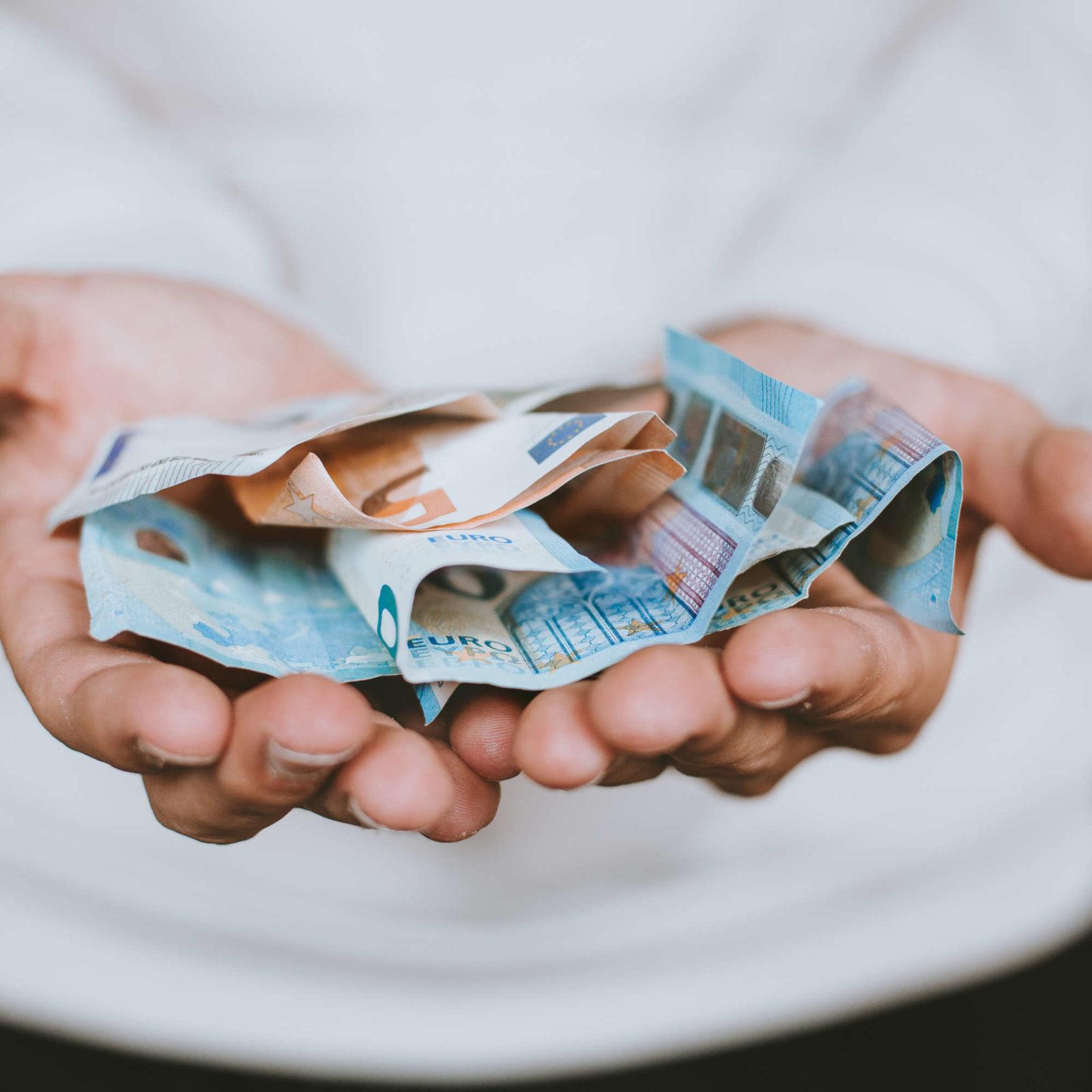 kann man mit facebook geld verdienen