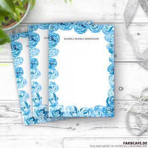 Personalisierter Notizblock in Din A6 mit blauem Rosen-Dekor