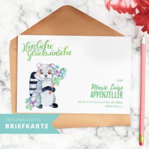 Waschbär-Briefkarte | Endlich schöne Korrespondenz! Was ist der Mittelweg zwischen Postkarte und Brief? Eine Briefkarte. Sende diese personalisierte Briefkarte an Freunde und Verwandte und beeindrucke sie mit diesem persönlichen und speziellen Gruß!